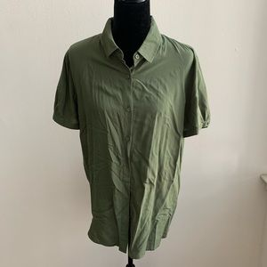 Uniqlo Olive Button Down Short Sleeve Top XL